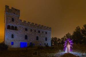maria-enfrente-del-castillo1